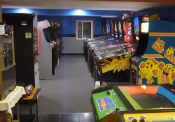 Vector Video Game Arcade Gameroom